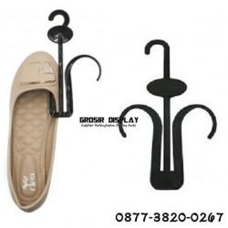 Hanger Sepatu Gantungan Sandal Display Toko Cantolan Pajangan Shoes