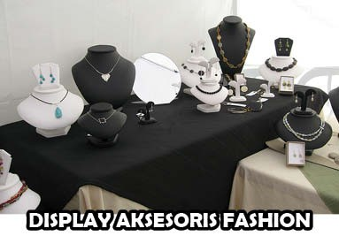 Display Aksesoris Fashion